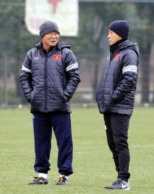 Mải miết tung hô thầy Park, chúng ta đã quên mất HLV Lee Young-jin - người hùng thầm lặng của đội tuyển Việt Nam - ảnh 5