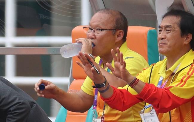 Mải miết tung hô thầy Park, chúng ta đã quên mất HLV Lee Young-jin - người hùng thầm lặng của đội tuyển Việt Nam - ảnh 7