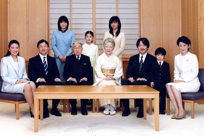 Công nương xinh đẹp Masako của Hoàng gia Nhật Bản: Nỗi sầu của con chim quý bị nhốt chặt trong lồng son - ảnh 13