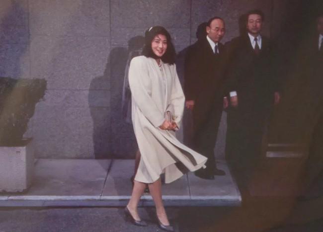 Công nương xinh đẹp Masako của Hoàng gia Nhật Bản: Nỗi sầu của con chim quý bị nhốt chặt trong lồng son - ảnh 5