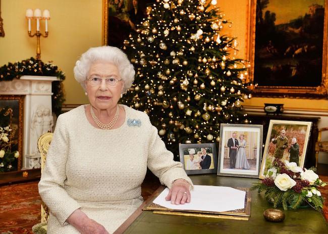 Trong Giáng sinh đầu tiên tại nhà chồng, Meghan phải thuộc nằm lòng 3 quy tắc này dù có muốn hay không - ảnh 3