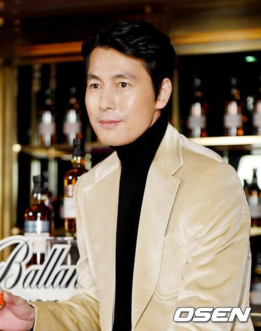 2 ông chú độc thân hấp dẫn nhất xứ Hàn dự sự kiện: U50 vẫn sexy, cực phẩm một thời đọ sắc cùng khung hình - Ảnh 8.