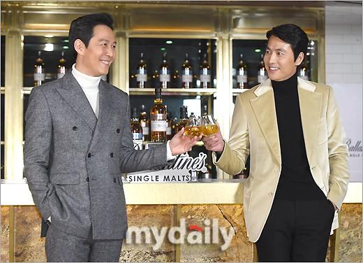 2 ông chú độc thân hấp dẫn nhất xứ Hàn dự sự kiện: U50 vẫn sexy, cực phẩm một thời đọ sắc cùng khung hình - Ảnh 4.