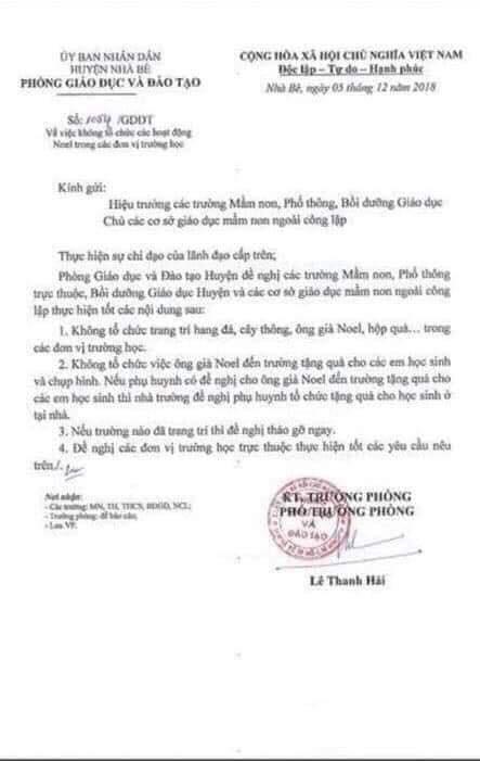 Một Phòng GD ở Sài Gòn ra văn bản cấm ông già Noel vào trường tặng quà cho học sinh - Ảnh 1.