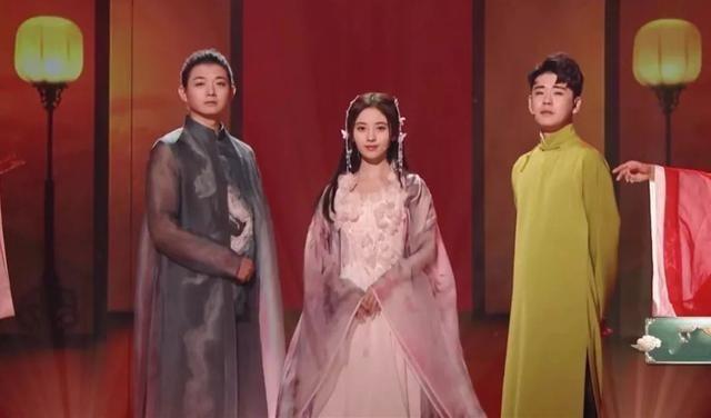 Cúc Tịnh Y bị chỉ trích vì hành động bất lịch sự trên sóng truyền hình - Ảnh 2.