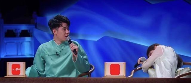 Cúc Tịnh Y bị chỉ trích vì hành động bất lịch sự trên sóng truyền hình - Ảnh 5.
