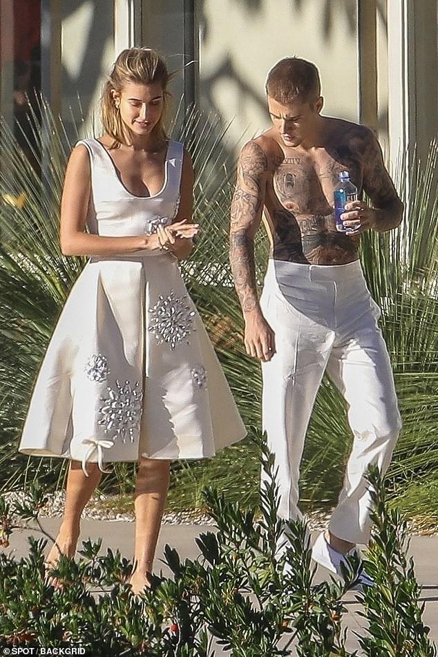 Hailey diện váy trắng đẹp như cô dâu, cùng ông xã Justin Bieber tiếp tục chụp bộ ảnh tình cảm - ảnh 2