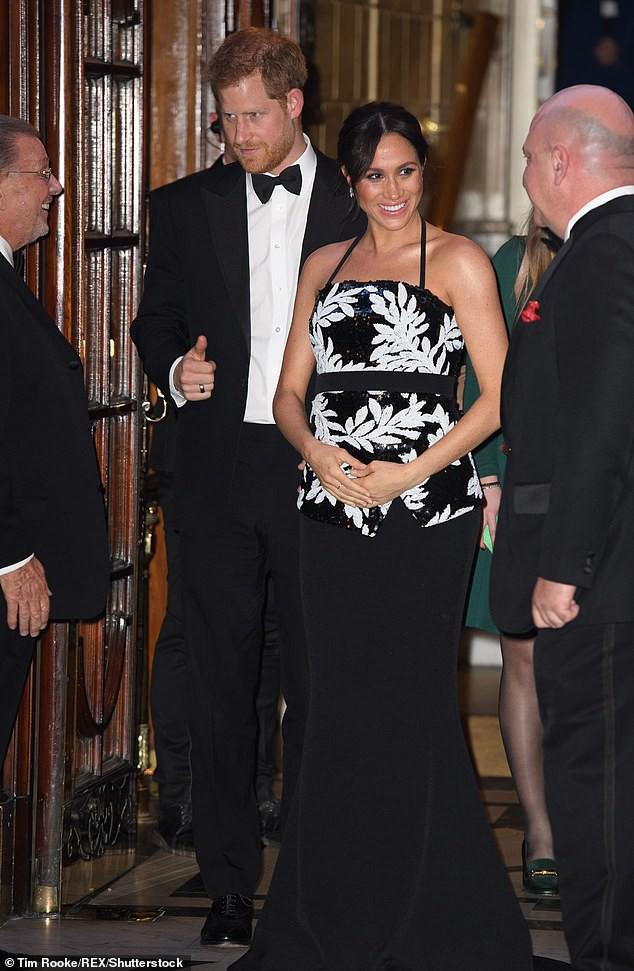 Vợ chồng Công nương Kate tránh chạm mặt em dâu Meghan và Harry trong sự kiện quan trọng của hoàng gia - ảnh 1