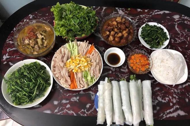 Cao thủ chi tiêu Hà Nội: Chỉ tốn 4,5 triệu/tháng tiền chợ cho 4 người lớn mà bữa nào cũng như đại tiệc - ảnh 2
