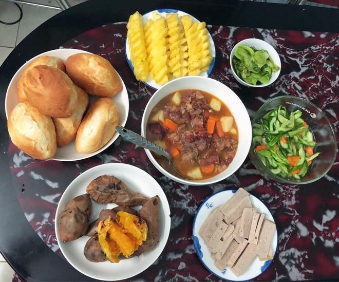 Cao thủ chi tiêu Hà Nội: Chỉ tốn 4,5 triệu/tháng tiền chợ cho 4 người lớn mà bữa nào cũng như đại tiệc - ảnh 11