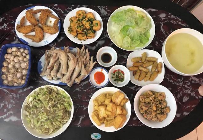 Cao thủ chi tiêu Hà Nội: Chỉ tốn 4,5 triệu/tháng tiền chợ cho 4 người lớn mà bữa nào cũng như đại tiệc - ảnh 12