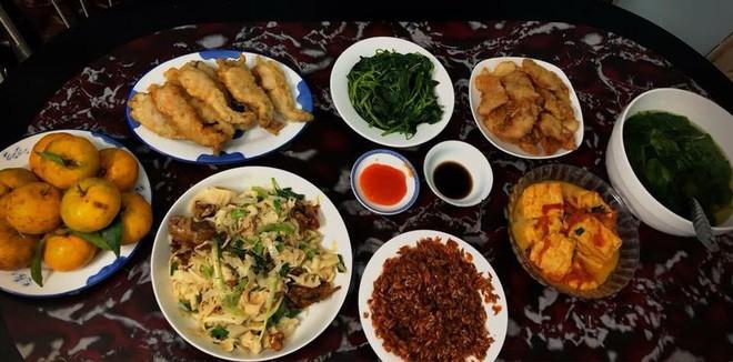 Cao thủ chi tiêu Hà Nội: Chỉ tốn 4,5 triệu/tháng tiền chợ cho 4 người lớn mà bữa nào cũng như đại tiệc - ảnh 14