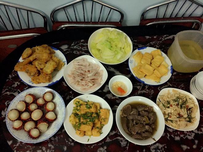 Cao thủ chi tiêu Hà Nội: Chỉ tốn 4,5 triệu/tháng tiền chợ cho 4 người lớn mà bữa nào cũng như đại tiệc - ảnh 17