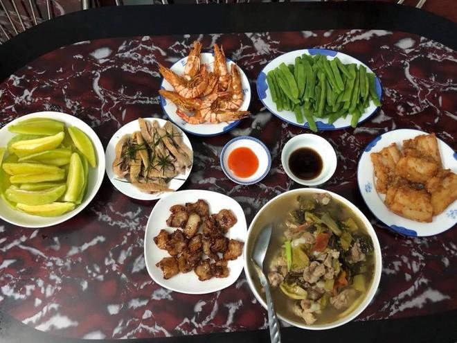Cao thủ chi tiêu Hà Nội: Chỉ tốn 4,5 triệu/tháng tiền chợ cho 4 người lớn mà bữa nào cũng như đại tiệc - ảnh 8