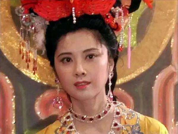 Tạo hình Nữ vương Tây Lương gây tranh cãi của Triệu Lệ Dĩnh thực chất lại sát với nguyên tác hơn bản phim năm 1986? - Ảnh 8.