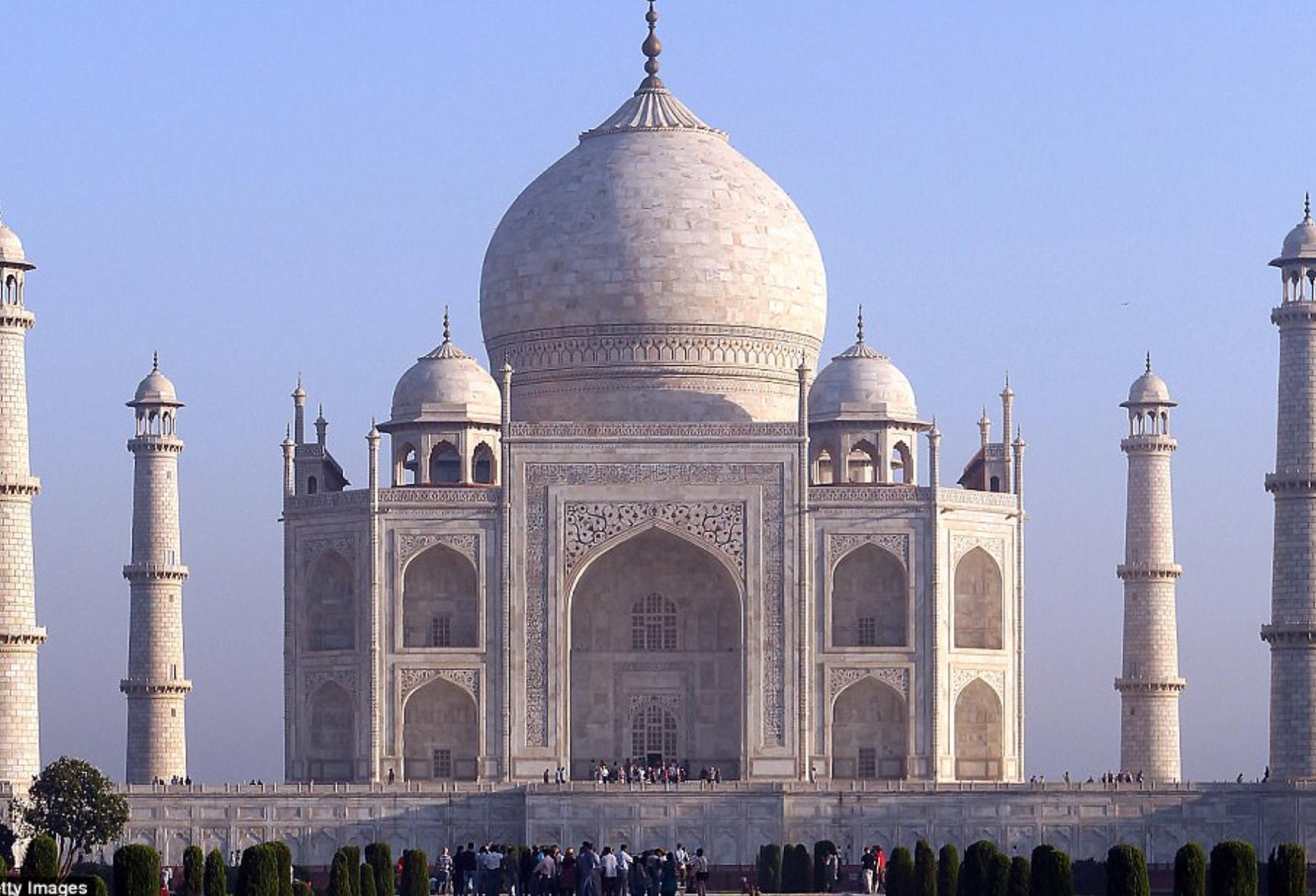 Lăng Taj Mahal biểu tượng của Ấn Độ đã chuyển thành màu vàng vì một lý do cực kỳ đáng ngại - ảnh 1