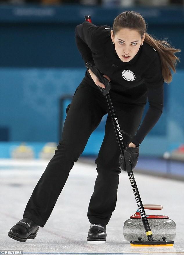 Nữ VĐV Nga bỗng nhiên nổi tiếng vì đẹp tựa nữ thần - Ảnh 6.