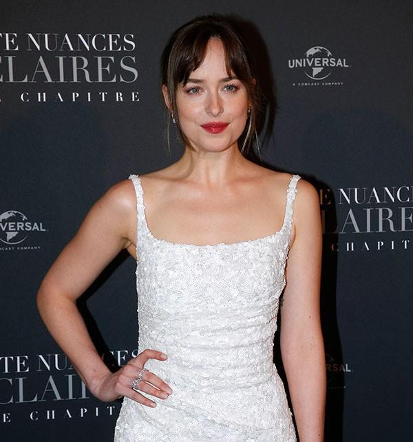 Để có thân hình bốc lửa khi diễn cảnh sexy trong 50 sắc thái: Đây là những gì nữ diễn viên xinh đẹp Dakota Johnson đã làm - Ảnh 3.