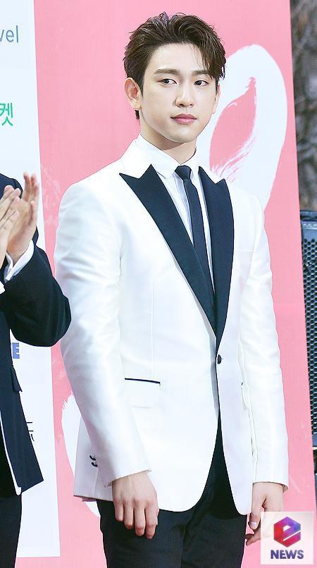Thảm đỏ Gaon 2018: Kang Daniel biểu hiện lạ sau tin hẹn hò, Tzuyu và IU lột xác bất ngờ giữa dàn mỹ nhân đẹp lung linh - ảnh 45