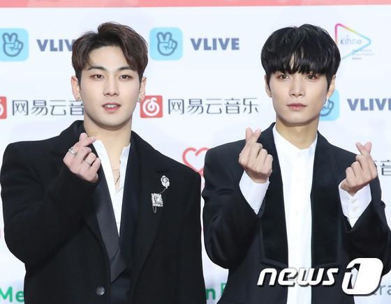Thảm đỏ Gaon 2018: Kang Daniel biểu hiện lạ sau tin hẹn hò, Tzuyu và IU lột xác bất ngờ giữa dàn mỹ nhân đẹp lung linh - ảnh 52