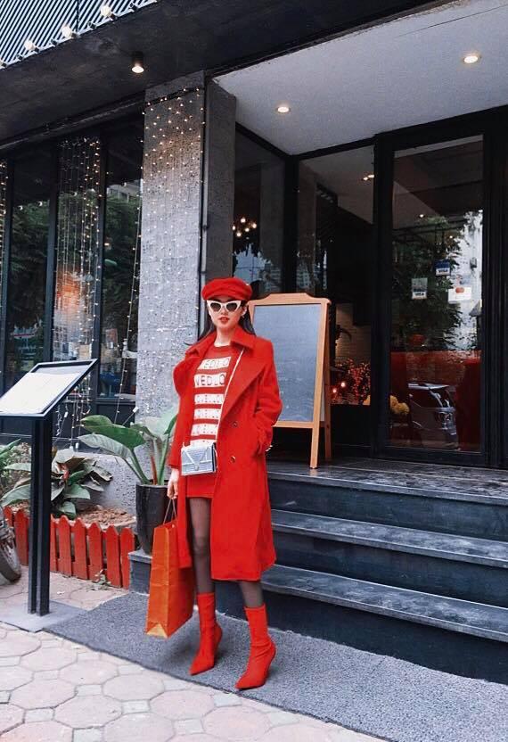 30 Tết càng đến gần, Hà Hồ và loạt kiều nữ Việt càng ăn diện street style rực rỡ hơn bao giờ hết - Ảnh 3.