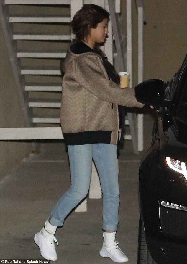 Mặc kệ thị phi showbiz, vòng tay Justin chính là vùng trời bình yên của Selena - Ảnh 10.