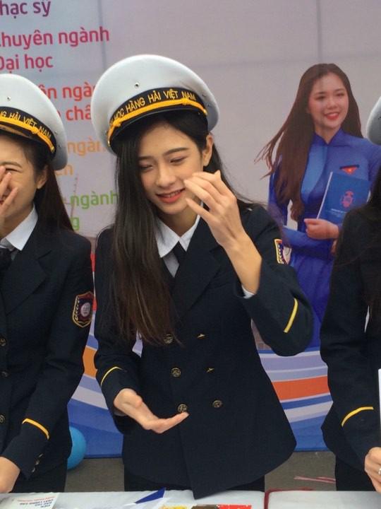 Nhìn ảnh cô bạn ĐH Hàng hải (Hải Phòng) mà cứ tưởng là thành viên nào đó của SNSD - ảnh 2