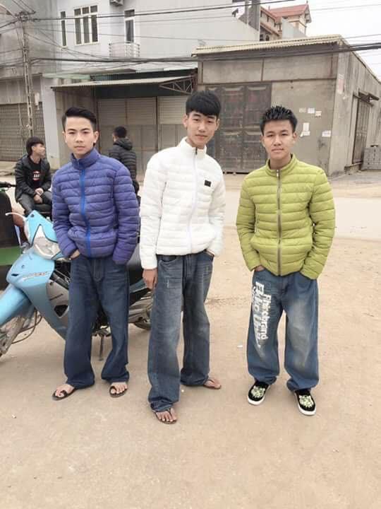 Mốt quần jean bao tải tưởng đã thất truyền tự dưng được hồi sinh một cách khó hiểu trên MXH - Ảnh 4.