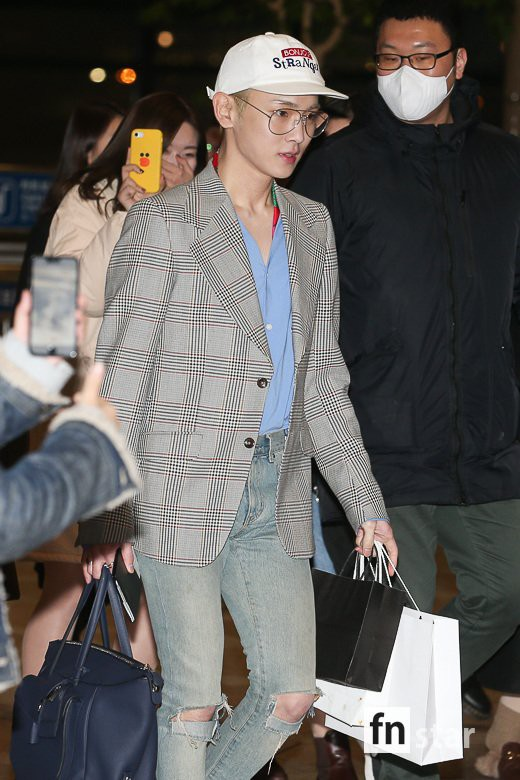 SHINee và Wanna One đụng độ tại sân bay: Center quốc dân có đọ được với độ sang chảnh của Key và Taemin? - Ảnh 29.