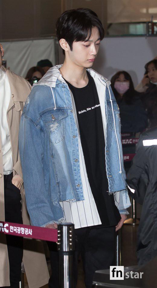 SHINee và Wanna One đụng độ tại sân bay: Center quốc dân có đọ được với độ sang chảnh của Key và Taemin? - Ảnh 26.