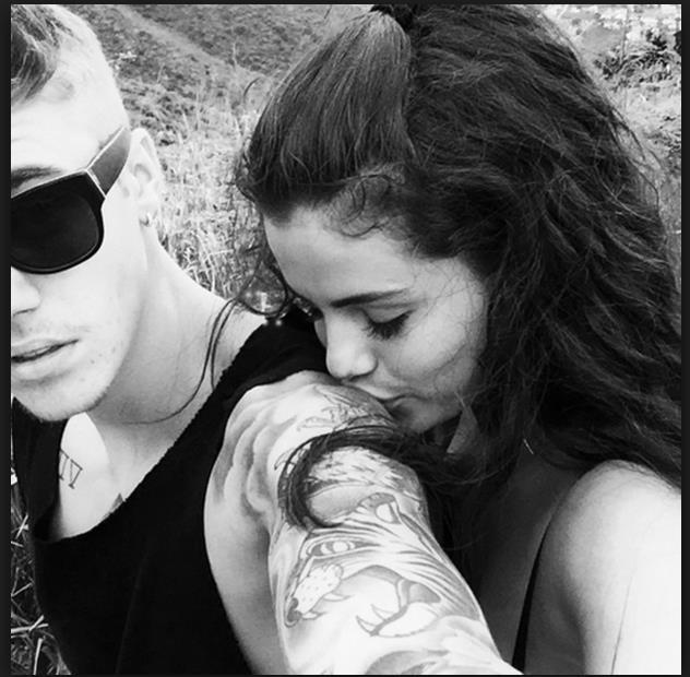 Selena Gomez: Cô gái có trong tay tất cả nhưng sẵn sàng từ bỏ mọi thứ vì một chàng trai - Ảnh 14.