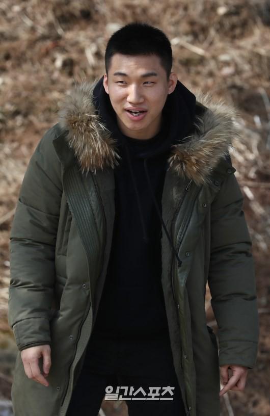 Daesung đã cạo đầu, chính thức nhập ngũ cùng G-Dragon và các thành viên Big Bang vào hôm nay - Ảnh 5.