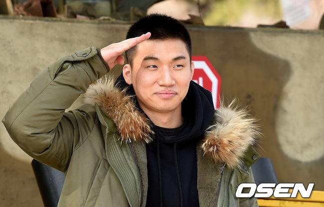 Daesung đã cạo đầu, chính thức nhập ngũ cùng G-Dragon và các thành viên Big Bang vào hôm nay - Ảnh 6.