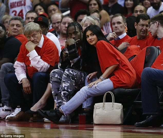 Kylie Jenner có con với bạn trai cũ gốc Việt nhưng lại bắt người yêu hiện tại đổ vỏ? - ảnh 3