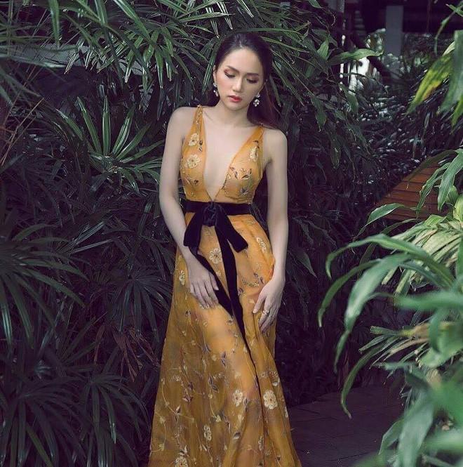Một chiếc váy hai số phận, không tin bạn cứ nhìn hai người đẹp tên Hương Giang này là thấy ngay - Ảnh 2.