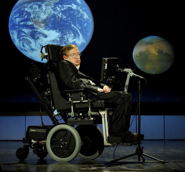 Mắc bệnh teo cơ từ năm 21 tuổi, được dự đoán chỉ sống thêm 2 năm, điều gì đã giúp nhà vật lý Stephen Hawking vượt qua cửa ải sinh tử tới hơn 50 năm? - ảnh 1
