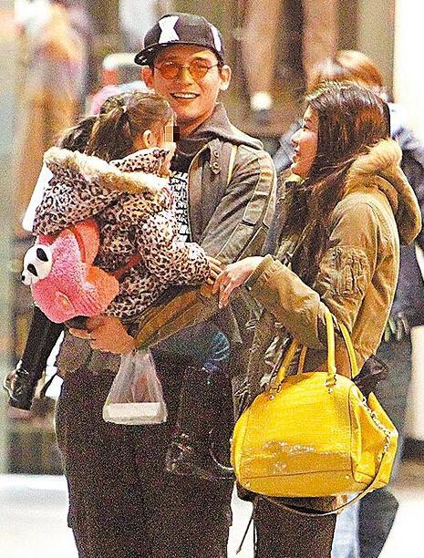 Ca sĩ điển trai Đài Loan ngoại tình, vợ chỉ đòi tiểu tam đền bù 200 triệu tổn thất tinh thần - Ảnh 2.
