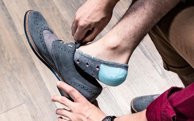 Những tác hại của việc đi giày không đi tất không phải ai cũng biết - ảnh 5