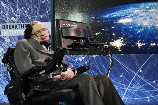 Những câu chuyện phi thường trên con đường học vấn của vị giáo sư vĩ đại Stephen Hawking - Ảnh 1.