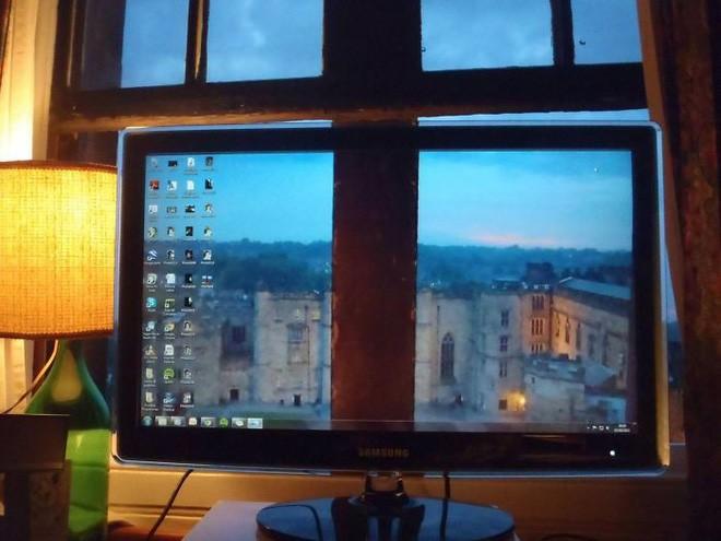 Vui: Tổng hợp loạt hình nền máy tính hài hước nhất, Internet Explorer chuyên bị bắt nạt - ảnh 5