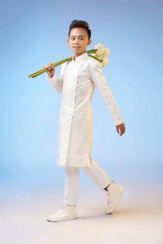 Hồ Văn Cường cao lớn, lột xác điển trai hẳn ra sau 2 năm trở thành quán quân Vietnam Idol Kid - ảnh 5