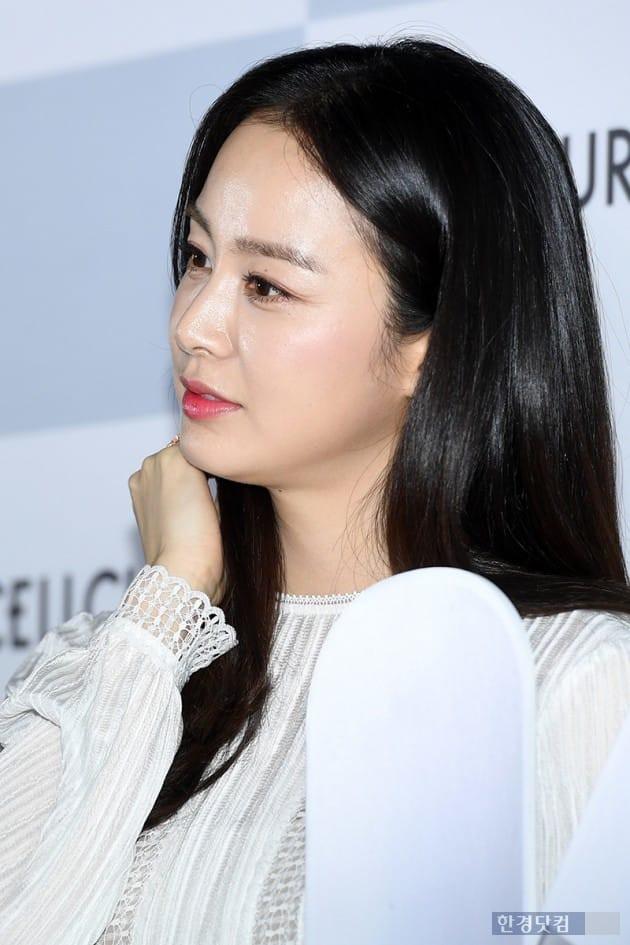 Kim Tae Hee lộ diện chính thức hậu sinh con: Đẹp khó tin, nhưng vóc dáng của cô mới là điều gây bất ngờ nhất - ảnh 9