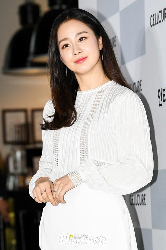 Kim Tae Hee lộ diện chính thức hậu sinh con: Đẹp khó tin, nhưng vóc dáng của cô mới là điều gây bất ngờ nhất - ảnh 10