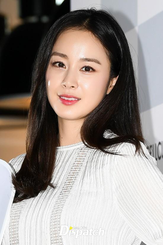 Kim Tae Hee lộ diện chính thức hậu sinh con: Đẹp khó tin, nhưng vóc dáng của cô mới là điều gây bất ngờ nhất - ảnh 14