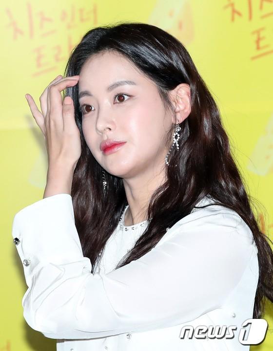 Dara đẹp xuất sắc nhưng mọi sự chú ý lại đổ dồn về đôi môi sưng vều của nàng Tam Tạng - Ảnh 10.
