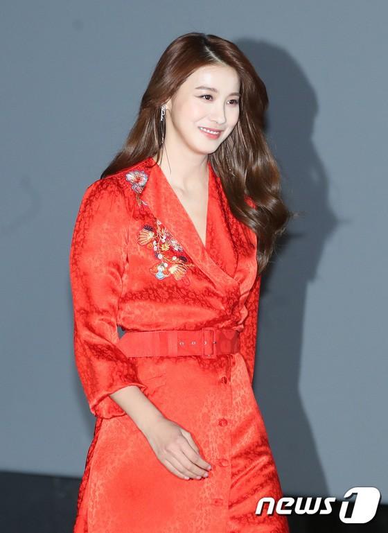 Dara đẹp xuất sắc nhưng mọi sự chú ý lại đổ dồn về đôi môi sưng vều của nàng Tam Tạng - Ảnh 14.
