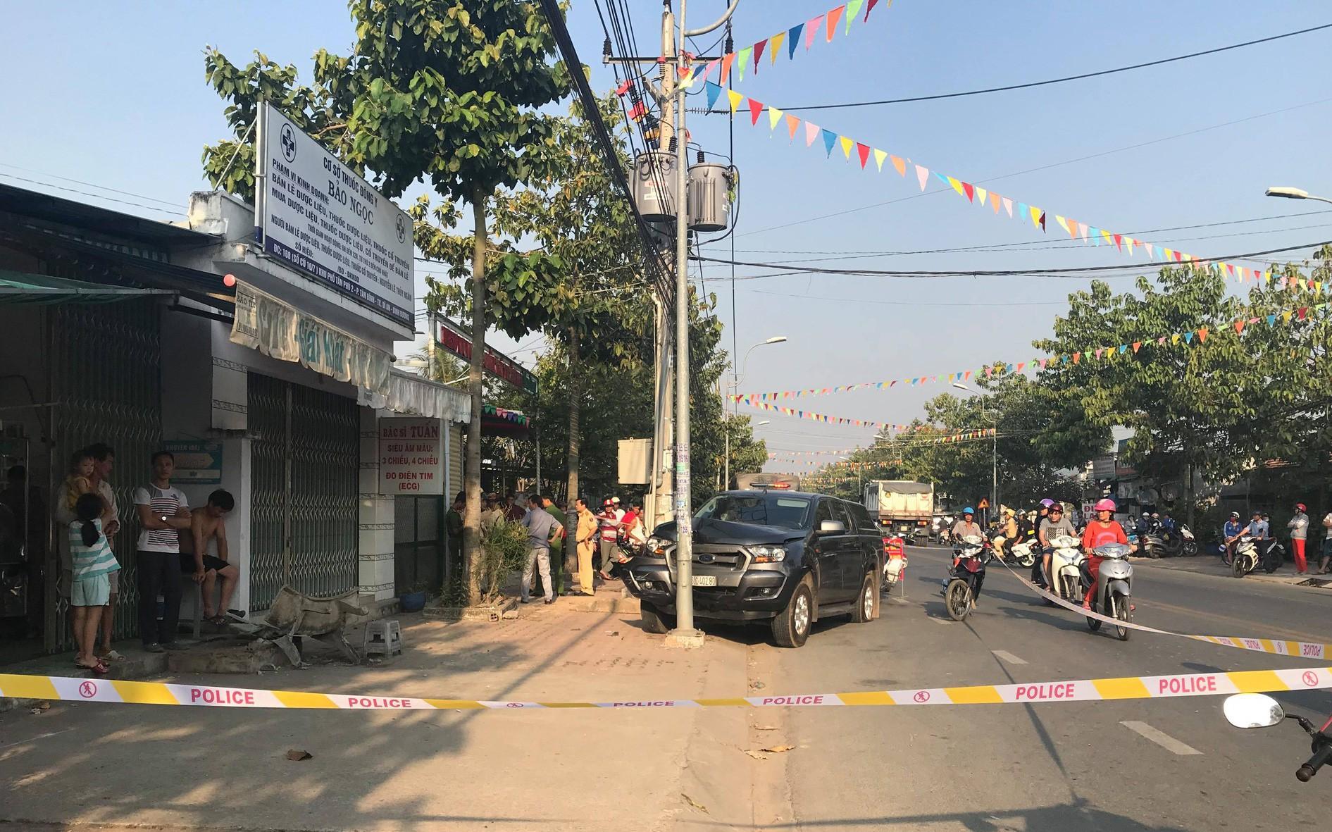 Nhân chứng kể giây phút chiến sĩ CSGT bị ô tô chở thuốc lá lậu tông văng xuống đường