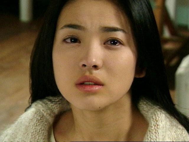 2 quốc bảo nhan sắc Hàn Quốc Song Hye Kyo và Son Ye Jin: Đều đẹp, siêu giàu, nhưng tình duyên lại quá khác biệt - Ảnh 6.