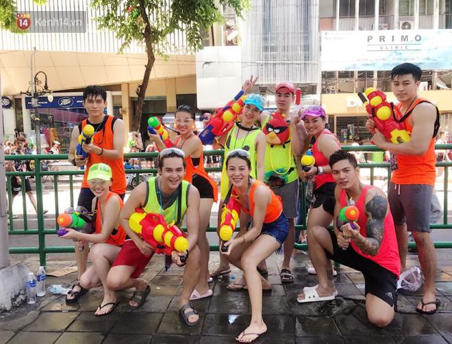 Giới trẻ Việt đang kéo cả team qua Thái quẩy Tết Songkran cho đã! - Ảnh 2.