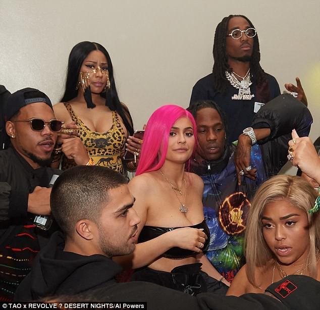 Phản ứng của Kylie khi dự tiệc cùng bạn trai thì gặp người yêu cũ đi bên người yêu mới - Ảnh 1.